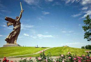 مجسمه یادبود مادر میهن روسیه :