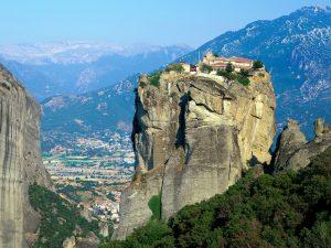 صومعه متورا از شگفت انگیزترین دیدنی های یونان