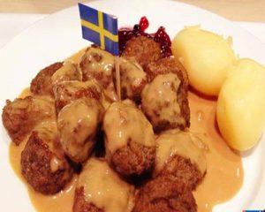 آشنایی با انواع غذاها و شیرینی های سوئدی در سفر به سوئد