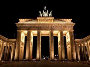 دروازه براندنبورگ از جاذبه های گردشگری آلمان